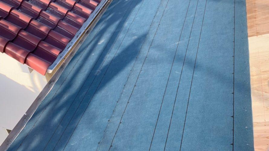 東大阪市にて屋根工事 ~コンパネ張り・ルーフィング(大屋根・下屋根)~